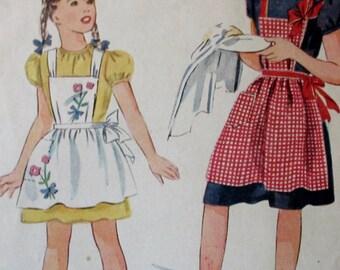 Vintage 1940s Girls  APRON Set in Three styles Pattern  #1161 Size 10  Unprinted Pattern ** Epsteam