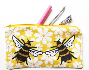 Illustrated pencil case - Flowers and bees