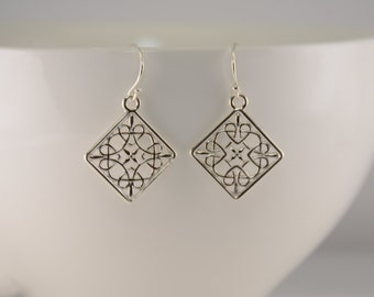 Silver dangle earrings. Square earrings. Sterling silver geometric earrings.