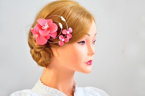 Coral fascinator Pink headpiece Flower hair comb Bridal fascinator Bridesmaid hair flower Wedding headpiece Flower girl Hair comb
