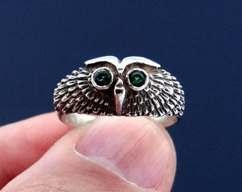 Sterling Silver Owl Ring with Green Cubic Zirconia, Cubic Zirconia Ring, Sterling Silver Ring, Silber Eule Ring, Anneau de Hibou