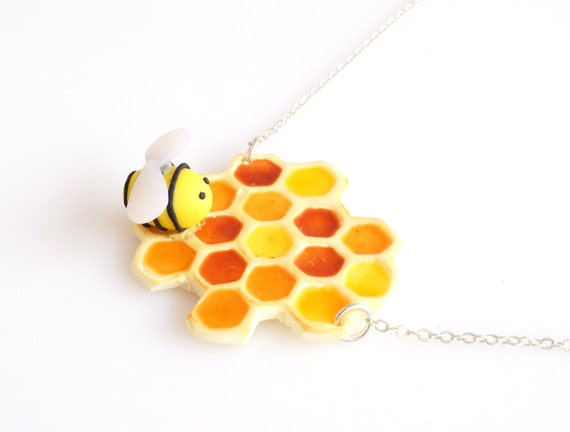 Bee and Honeycomb Necklace, Geometric Honeycomb, Bee and Honey Necklace, Food Jewelry, Miniature sweets, Cute Jewelry, Kawaii Jewelry