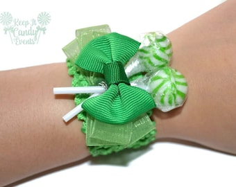 Green Lollipop Wrist Corsage, Green Unique Prom, Homecoming Candy, Candy Corsage, Lollipop Corsage, Green Birthday Corsage, Baby Corsage