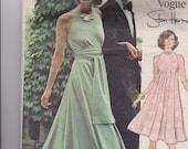 "Vintage 1970s Very Easy Vogue Sewing Pattern 2976, Stan Herman, Size 10, Bust 32 1/2 in or 83 cm"", Misses Loungewear/Dress, Cut and Complete"