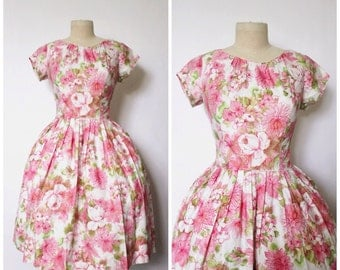 SALE || Vintage 1950s Dress / 1950s Floral Dress / 1950s Full Skirt Dress / M
