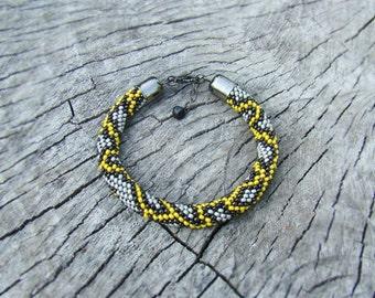 Snake bracelet Serpent Python bracelet Exotic Grey yellow Seed bead crochet rope bracelet Snake skin Animal print Trending ethnic bracelet