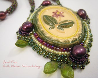 Beadwoven Necklace with Bead Embroidery Pendant, Green and Burgundy, Vintage Cabochon Pendant, Green Necklace Ceramic Pendant Bavarian Style