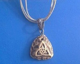Jewelry-Aroma Diffuser Pendant-Triquetra Pendant-Diffuser Necklace-Aroma Diffuser-Aroma Pendant-Aroma Necklace-Stoneware Necklace-Diffuse