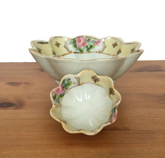 Vintage Nippon bowls hand painted scalloped edge porcelain flower design