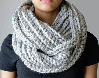 Crochet Infinity Scarf, Chunky Infinity Scarf in Marble Gray, Chunky Loop Scarf, Circle Scarf, Hand knit scarves, Infinity Loop Scarf, Grey