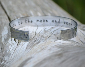 I Love You to the Moon and Back Bracelet / Personalized bracelet / Mothers bracelet / sister gift/ BFF gift /Gifts under 30/stocking stuffer