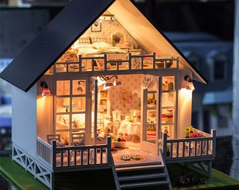 1: 24 Miniature Dollhouse  DIY Kit Nordic Holiday Villa with Light and Music Box House Model