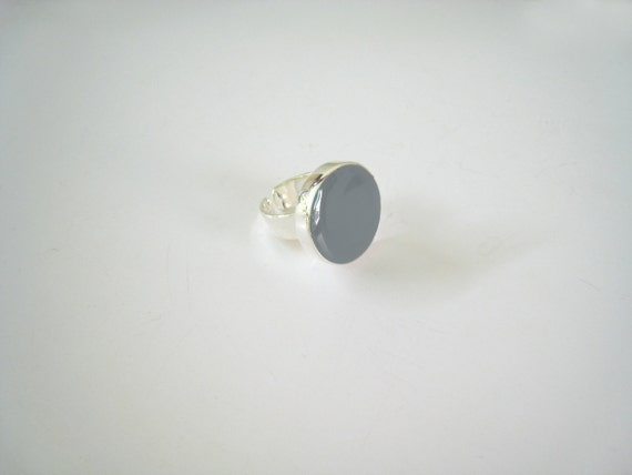 Grey ring, grey resin ring, round ring, ash granite grey solitaire ring, big chunky ring, contemporary modern minimalist grey glass ring