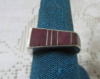 Vintage abstract Zuni channel inlay style Native American Indian sterling sugalite ring size 7 signed