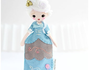 19cm Marie Antoinette art doll from felt. French Queen doll. Perfect gift idea.