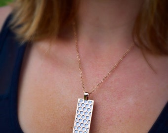 "Fitbit Flex / Flex 2 pendant / necklace - Rectangle ""Honeycomb"" Rose gold tone with white leather"