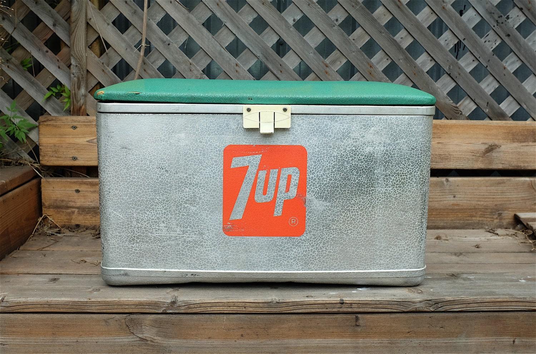 Original 1950s 7up Picnic Camping Cooler Ice Chest Aluminum
