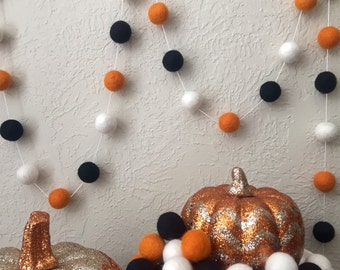 Halloween Felt Ball Garland, Pom Pom Garland, Halloween Party, Class Party, Orange, White, and Black Felt Ball Garland, Halloween Photo Prop