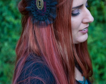 Gothic Brooch Fascinator
