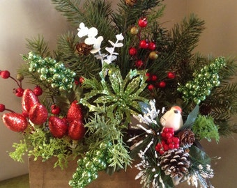 Christmas Centerpiece, Red and Green Christmas Floral, Holiday Floral, Christmas Table Top Decor, Christmas Flowers, Bird Pinecone
