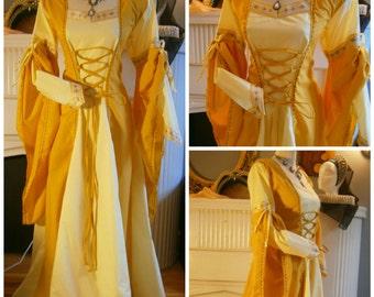 SIze M Medieval Gown Renaissance Dress LARP and Fantasy