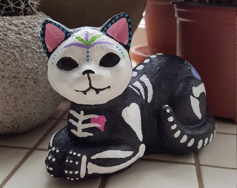 Sugar Skull Cat, Day of the Dead Figurine, Dia de los Muertos Statue, Kitty Figure, Painted Concrete Home Decor