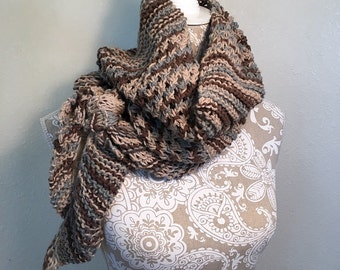Diagonal Knot Stitch Scarf - a loom knit pattern