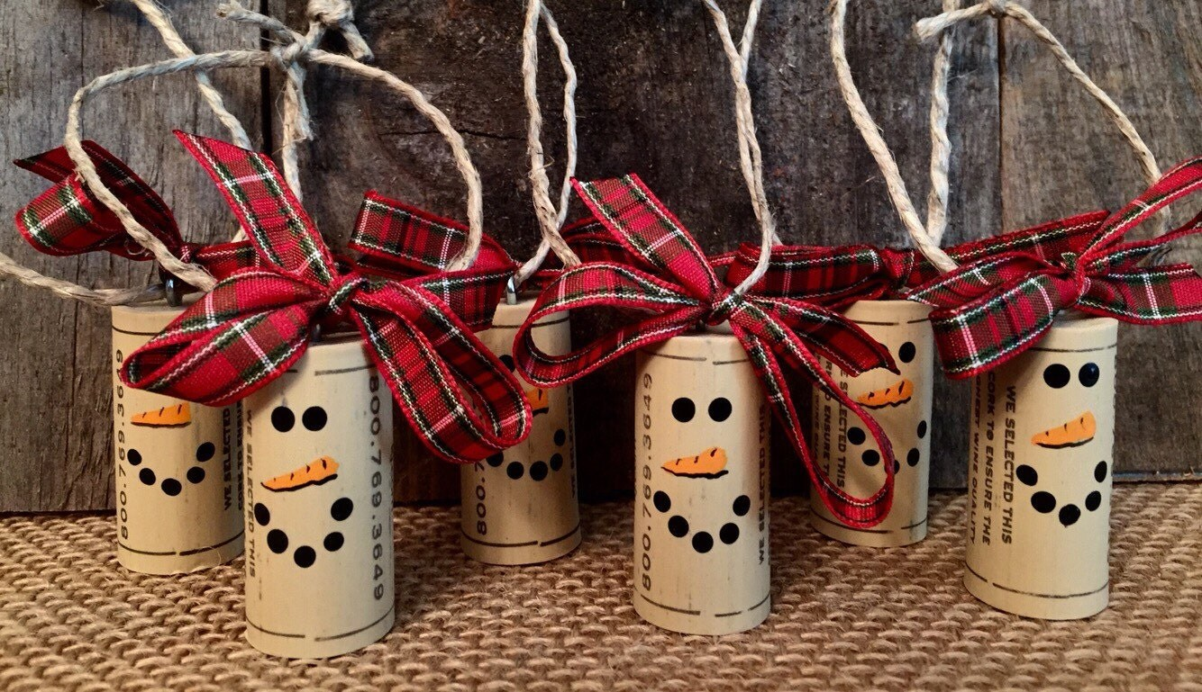 Wine cork ornaments cork ornaments snowman cork ornament - Manualidades con corchos ...
