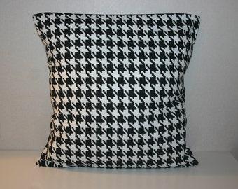 SALE 18 x 18 pillow cover, cushion cover, black and white, geometric, contemporary, modern, decorative cushion, pillowcase