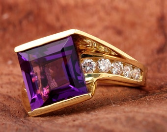 Square Amethyst & Diamond Ring in 18K Solid Yellow Gold - DR2076