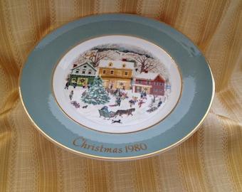 Avon Christmas Plate Series 1980, 8th Edition, Country Christmas, Enoch Wedgwood, England,Gold Trim,Avon Christmas plates,  Avon Plates
