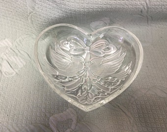 Crystal Heart Dish With Christmas Cardinals, Gorham Holiday Traditions, Christmas Cardinals, Heart Dish with Birds, Trinket Dish, Candy Dish