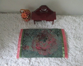 Tapestry dollhouse rug, green and pink floral, 4.5x7""