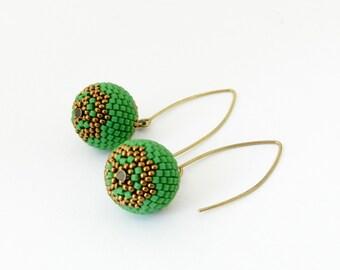 Beaded Earrings. Beaded bead earrings /Beadwoven/ Beading/ Handmade / Seed Bead Earrings / ready to ship / Green