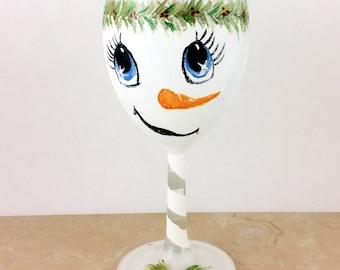Snowman Wine glasses, Personalized wine glasses, Holiday wine glasses, Christmas Decor, Snowman Decor, Snowman Face, Painted wine glasses