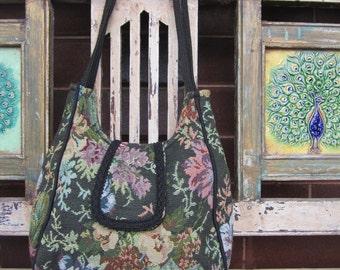 Vintage Floral Tapestry Handbag - Market bag - Hobo