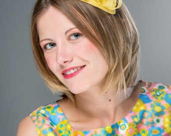 Yellow fascinator hat, primrose yellow hatinator, headpiece