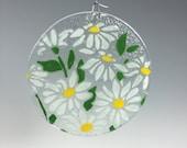 Daisy Sun Catcher, Margaret Window Hanging, Small Suncatcher, White Flowers, Flower Decor