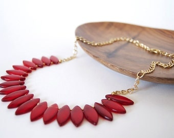 Red Petal Collar Necklace