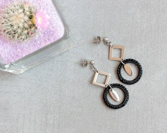 Black earrings, Crochet jewelry, Crochet earrings, Dangle earrings, Fiber earrings made in France, Hypoallergenic earring, Geometric earring