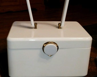 Wilardy White Lucite Box Purse - Lovely!