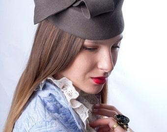 Elegant felt pillbox,  Khaki green pillbox, Kate pillbox hat, green felt hat, 20's hat, Great Gatsby's hat, coctail hat
