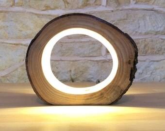 Petit rondin de LED Table lumineuse lampe Bureau clair véritable bois creux inhabituel chevet Bureau réorientés Upcycled bois naturel