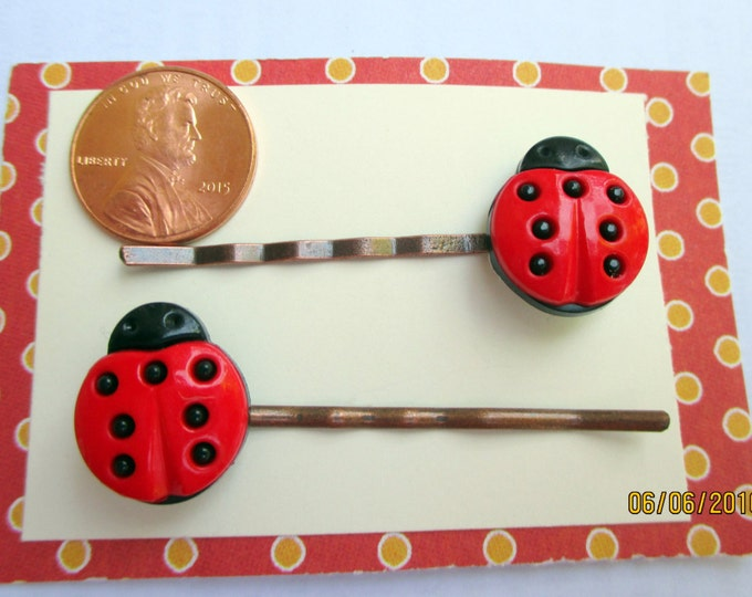 Ladybug bobby pins-girls hair clips-Childrens accessorys-cute ladybug barrettes-girls birthday gift-little girls party favors-kids hair pins
