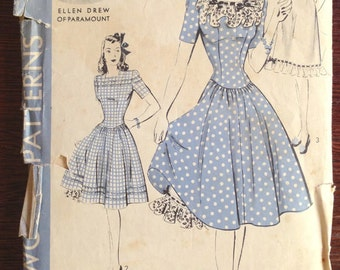 Hollywood Patterns 846 - Ellen Drew Square Neck Dress with Full Skirt and Slip - Size 12