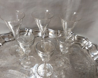 Lot of 6 Shot Glasses ( 659)