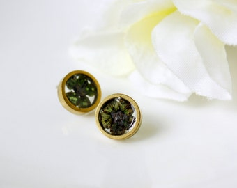 Resin / necklace / black / Terrarium Jewelry, Pressed Flowers, Gift for her, Cool Jewelry, Cool Earring, Gold Stud Earring, Plant Earrings