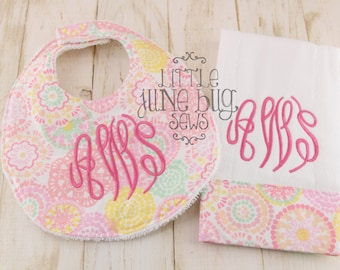 Girly Pink Monogram bib and burp cloth set, Baby Girl gift set, Monogram Baby Bib and Burp Cloth, Girly Bib and Burp Cloth Set