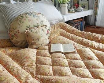 Beautiful pink paisley double vintage feather eiderdown, quilt, comforter