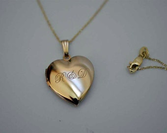 Heart locket with initials, Mother's gift trending locket, popular gold lockets,Women picture lockets.